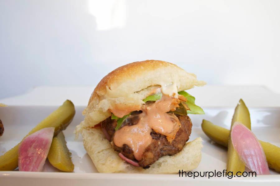 burgerwithpulledpork