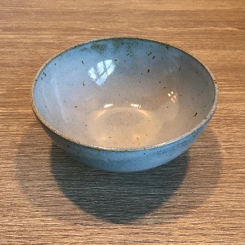 Skål - lyseblå glasur på lava-ler