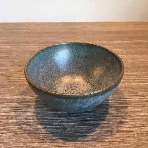 Skål - blågrøn på mørk ler