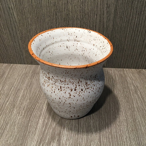 Vase i lava-ler