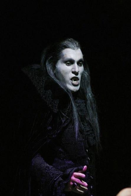 vampirok-25_edited.jpg