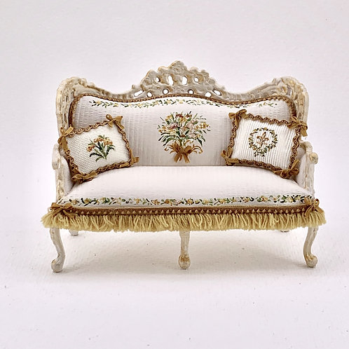 Double sofa hand painted in beige and gold tones, floral motifs. scale 1.12