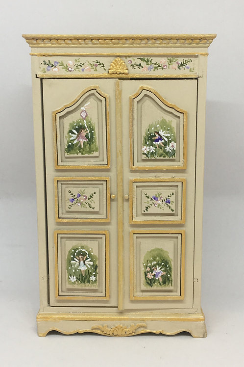 Closed handpainted with fairytales in cream tones . Scale 1.12