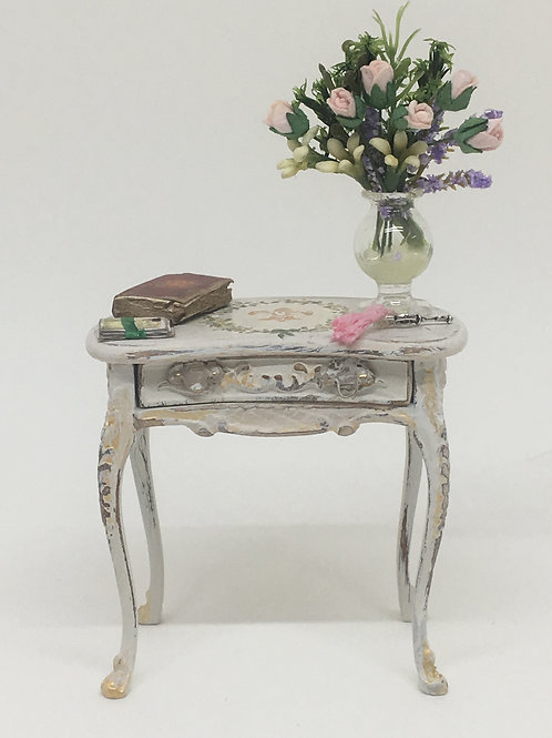 Side table handpainted in white tones french vintage style. Scale 1.12