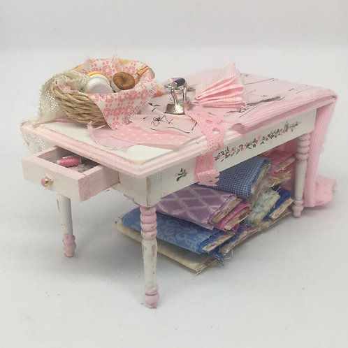 Sewing table, hand painted, sold as seen in the photo. Scale 1.12