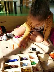 école - atelier Montessori - serpent po