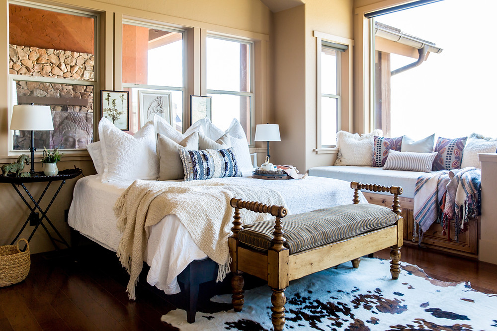 gorgeous-bedroom-mountain-chic