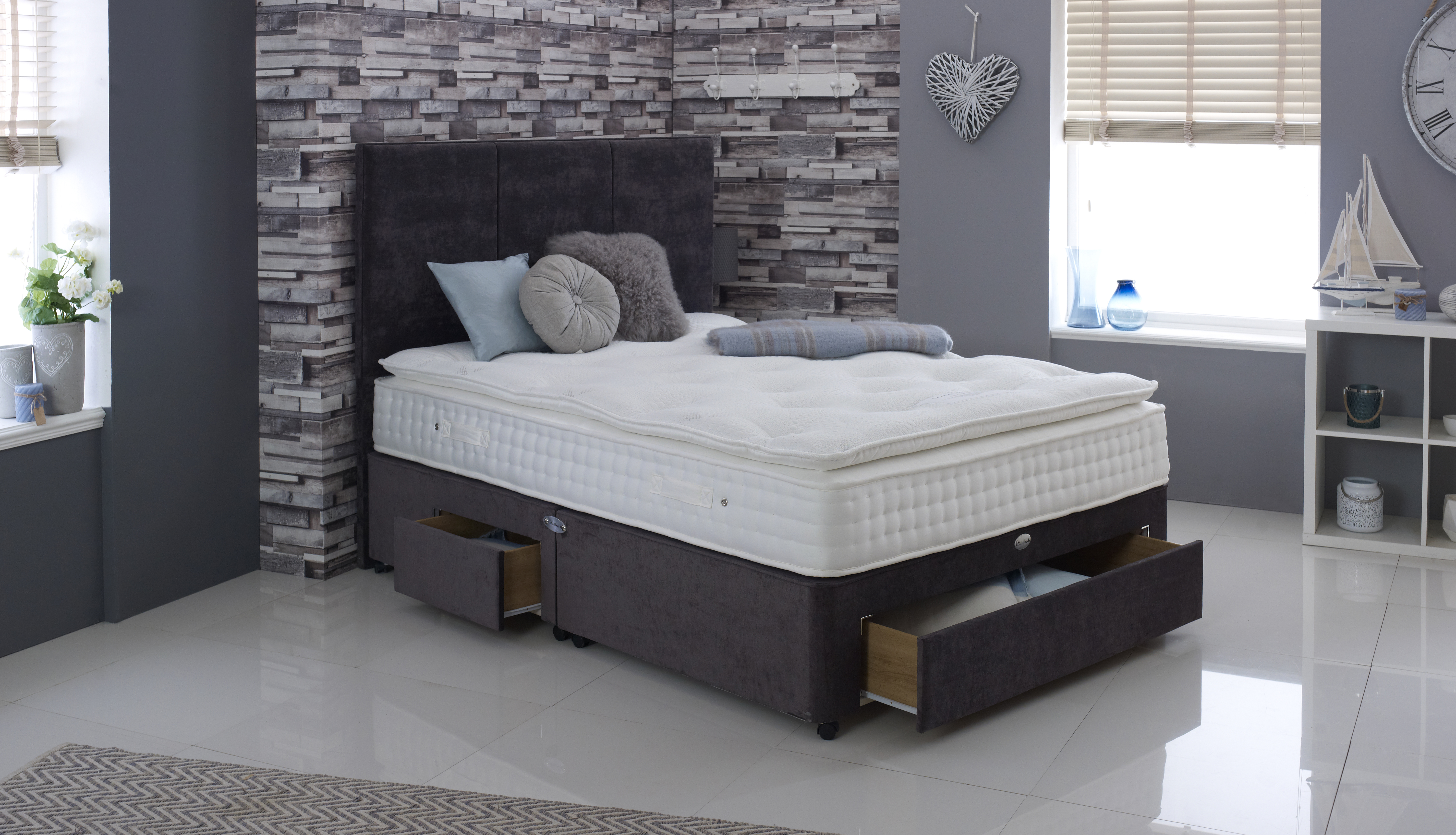 Smeaton 1200 Pillow top