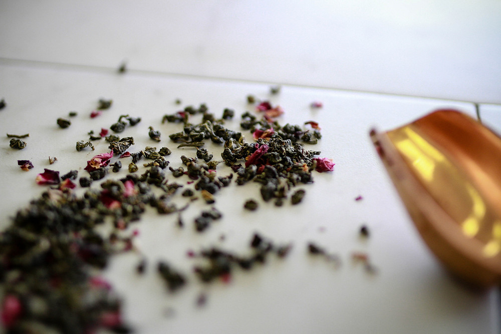 difference between loose leaf and bagged tea