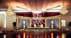 Wedding-Half-Moon-Mandap-Gold
