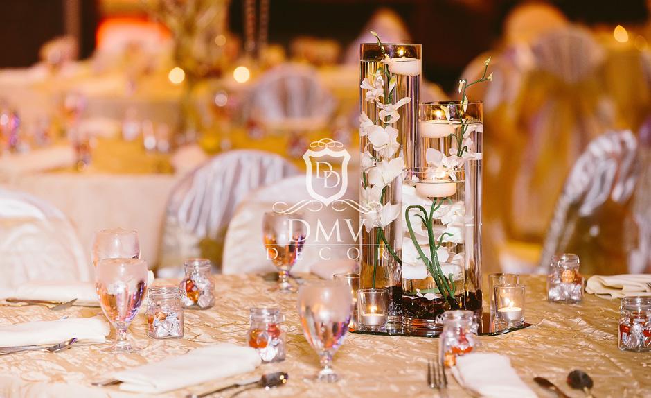 Wedding-Centerpiece-White-Floating-Candle-Trio