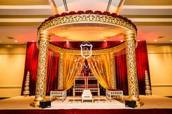 Gold-Round-Hindu-Mandap-Curtains