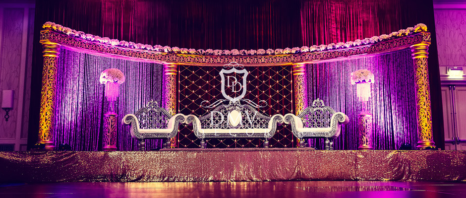 Pakistani-Wedding-Gold-Half Moon-Mandap