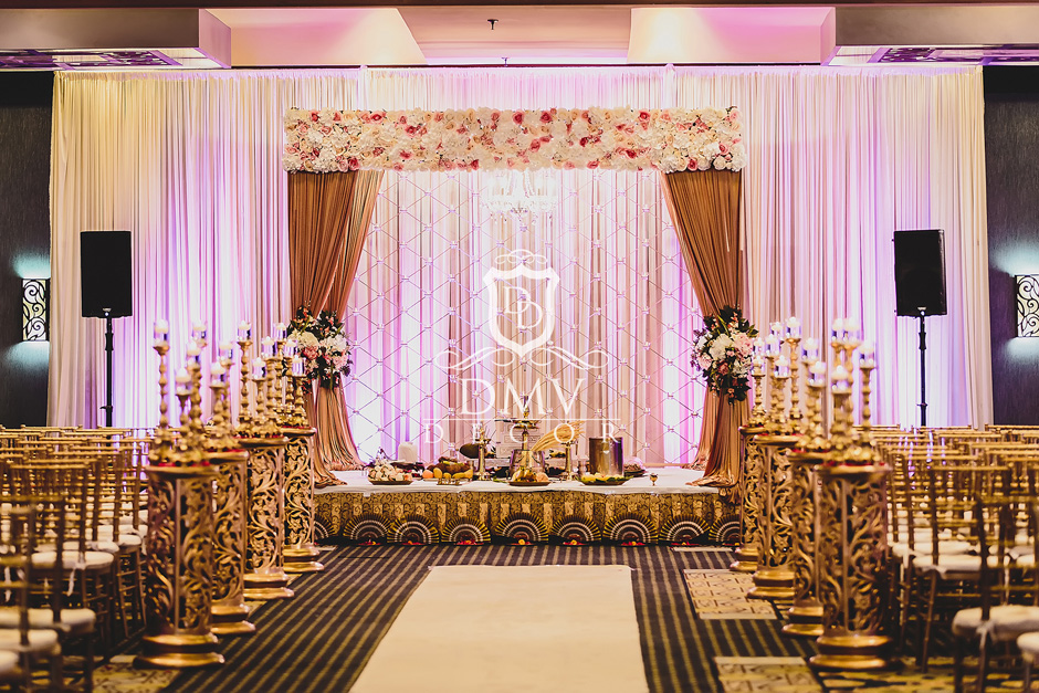 Hindu-Wedding-Mandap-Chuppah-Decoration