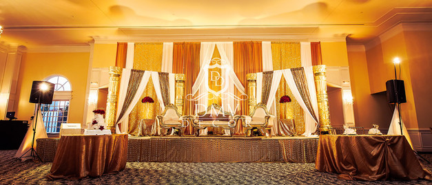 Wedding-Reception-Gold-Stage