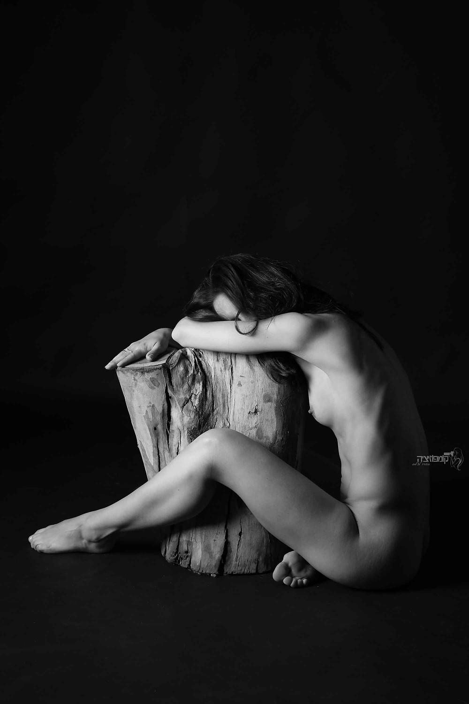 צילומי עירום אומנותי
