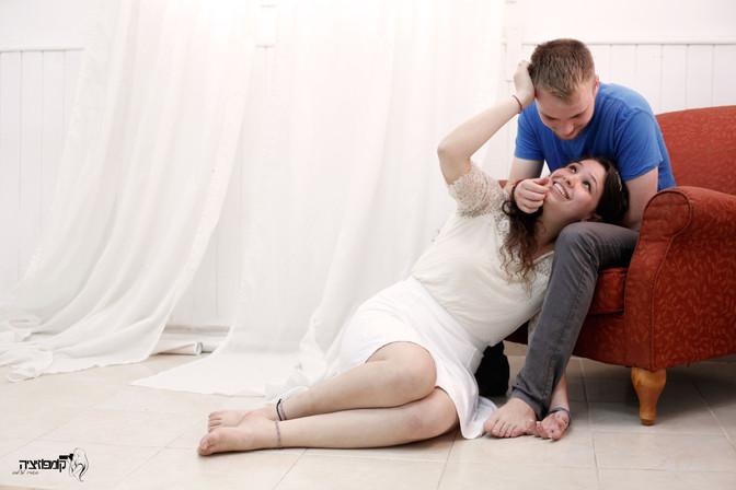 מתנה מושלמת בכל גיל - צילומי זוגות בסטודיו