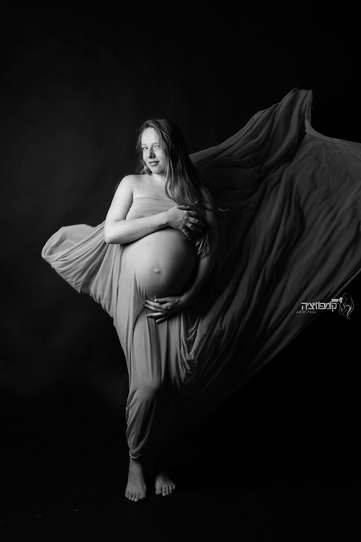 צילום הריון עירום אומנותי