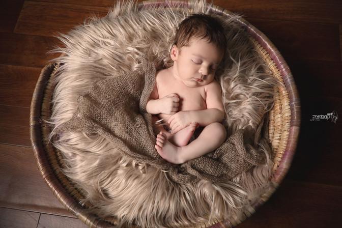 האם נוח לתינוק בצילומי ניובורן