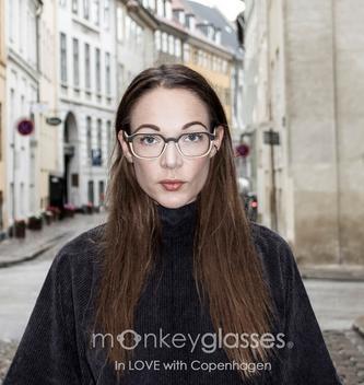 monkeyglasses girl - Lemvig frame