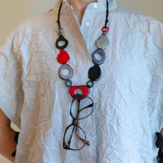 Pebbles - Black & Red C.10022