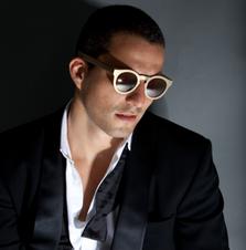Vidal erkohen in RVS sunglasses
