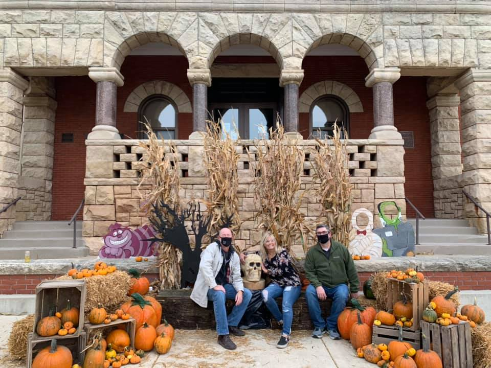 fall photo spot downtown monroe wisconsin