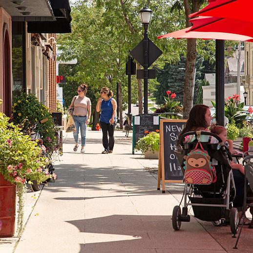 sidewalk shopping in historic downtown