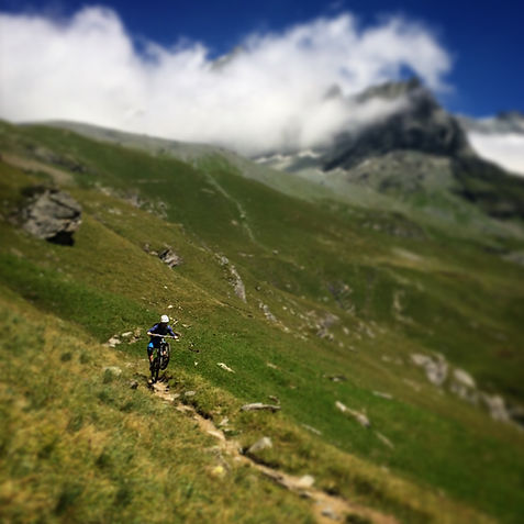 Mountain biking in Les Arcs with White Room MTB