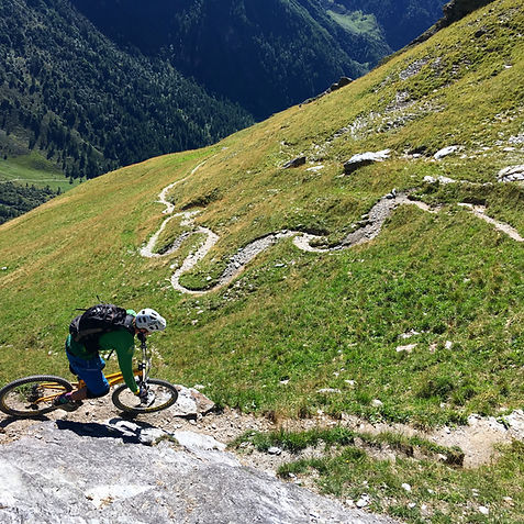 Backcountry Mountain Biking near Les Arcs with White Room MTB
