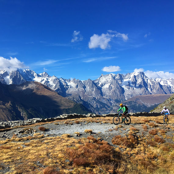 Mountain biking in La Thuile with White Room MTB