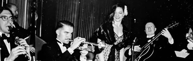 A private party with the small band a few weeks ago in the Oak Room at _theplazahotel - photo by _johnveg with a vintage 40s camera, complet