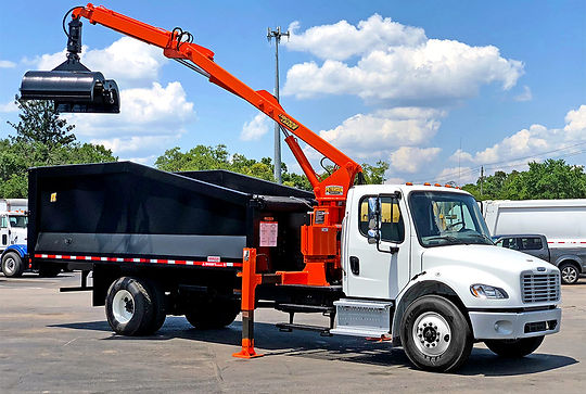 2019 Freightliner M2-106 Petersen TL-3 Grapple Truck