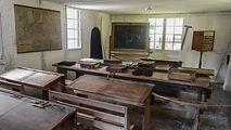 classroom-1660223_1920.jpg