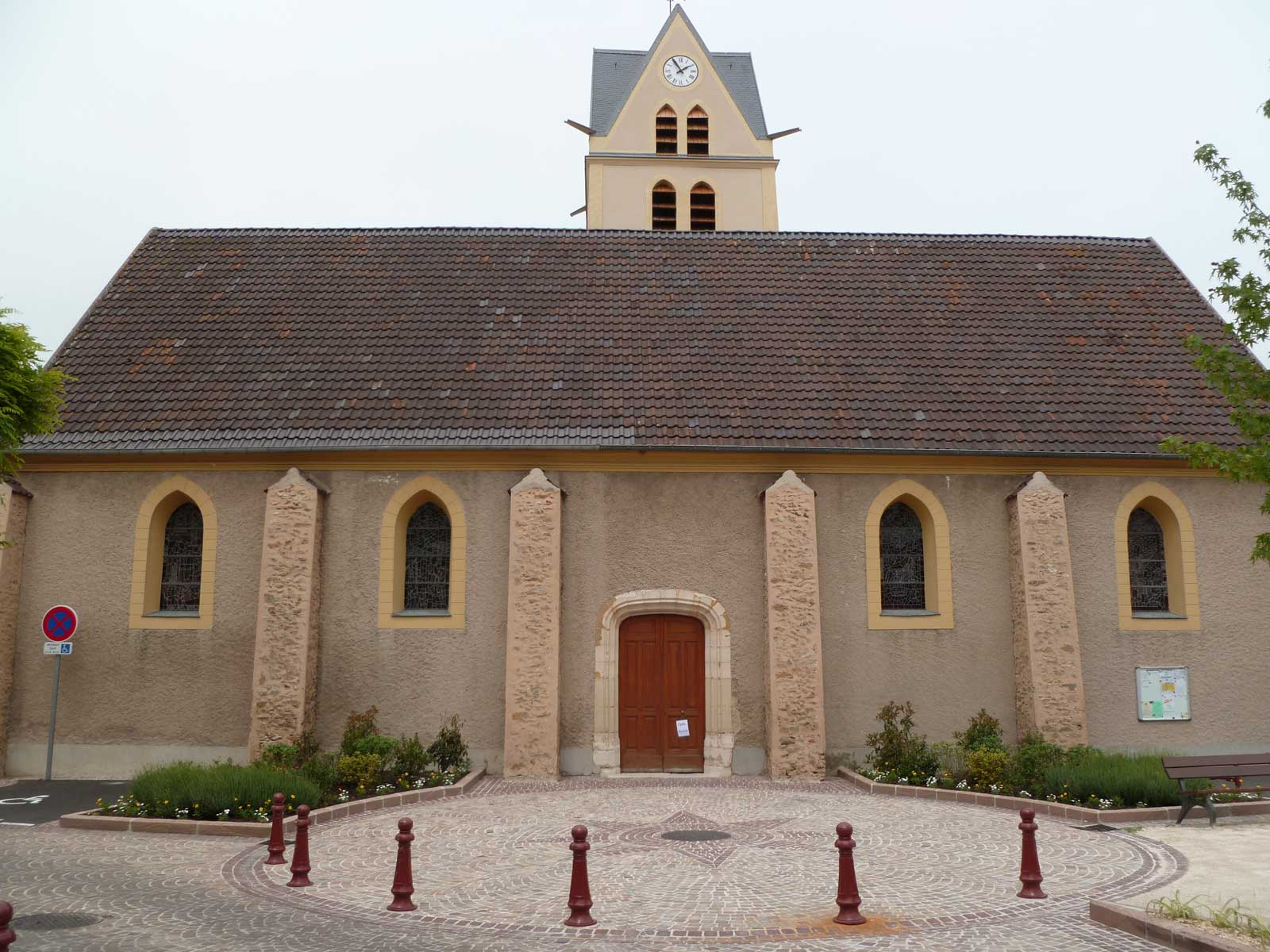 Eglise Chevry