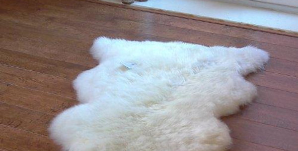 Natural Single Sheepskin Fleece Rug