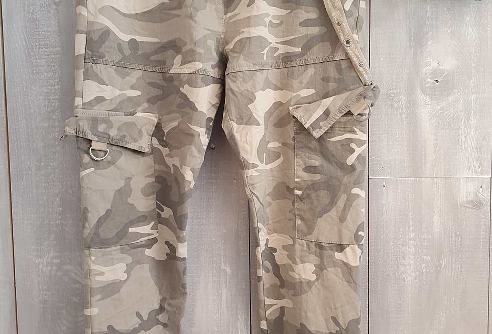 Camo Trousers - Beige