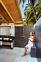Meeru Beach Villa-Bathroom