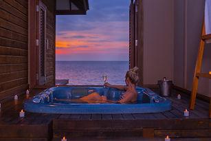 Veligandu Sunset Jacuzzi Water Villa
