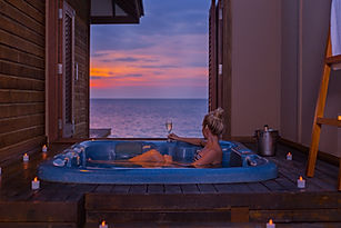 Veligandu Sunset Jacuzzi Water Villa