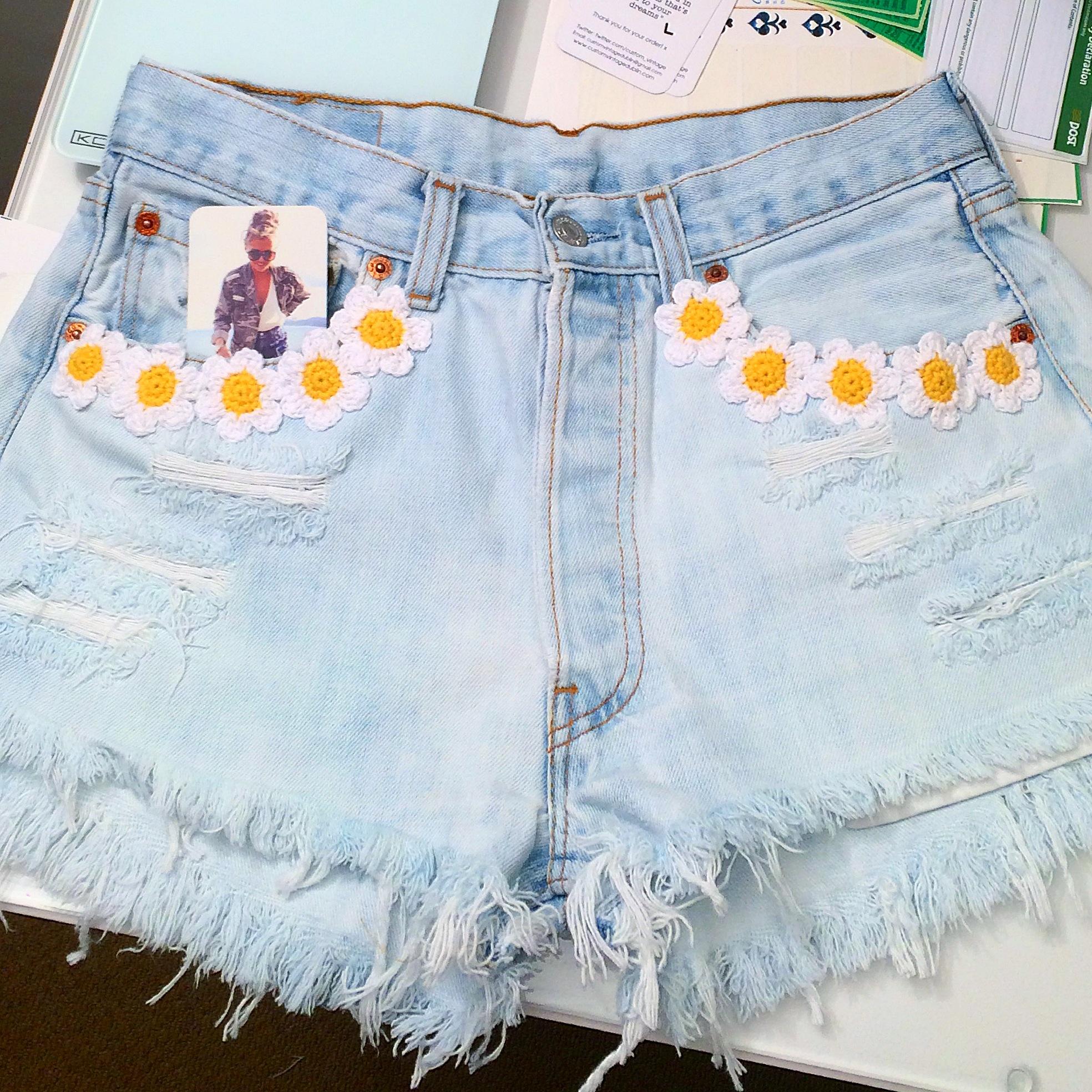 Crochet Daisy Front Pockets
