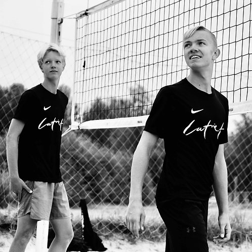 Latvietis / NIKE T-krekls