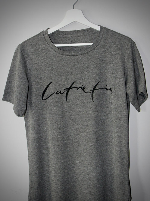 Latvietis | Tumši pelēks BlankBlank dizaina krekls