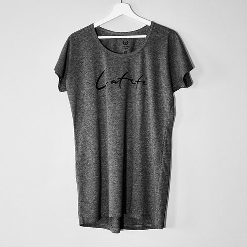 Latviete | Tumši pelēks BlankBlank dizaina krekls