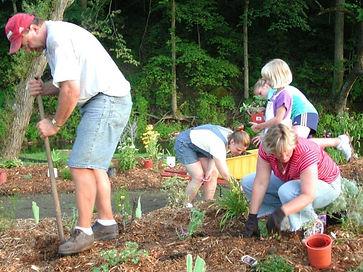 Working_in_Katie_s_Garden_7-04_2_op_800x