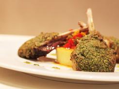 Carré d'agneau en croûte herbes & parmesan