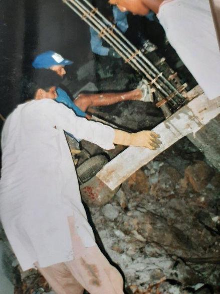 construction du nouveau Bhajan Hall.jpg