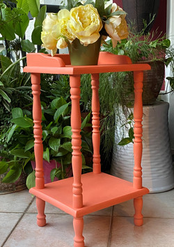 Side table in Papaya
