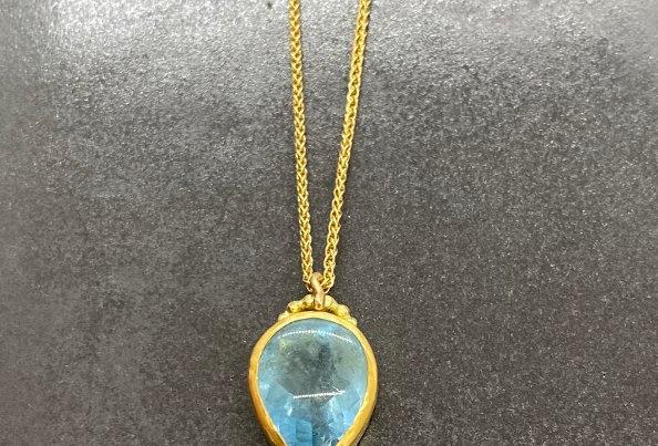 Aquamarine drop with square raw diamond