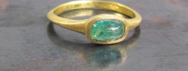 Emerald ring 18kgold
